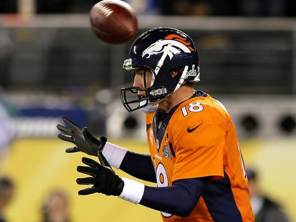 Peyton-Manning-fumble